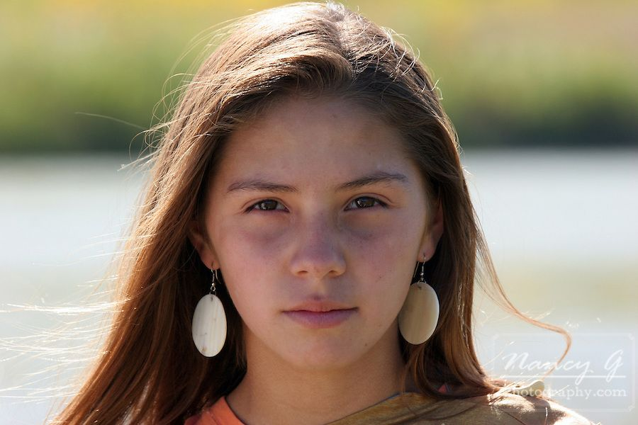 american Very girl native young