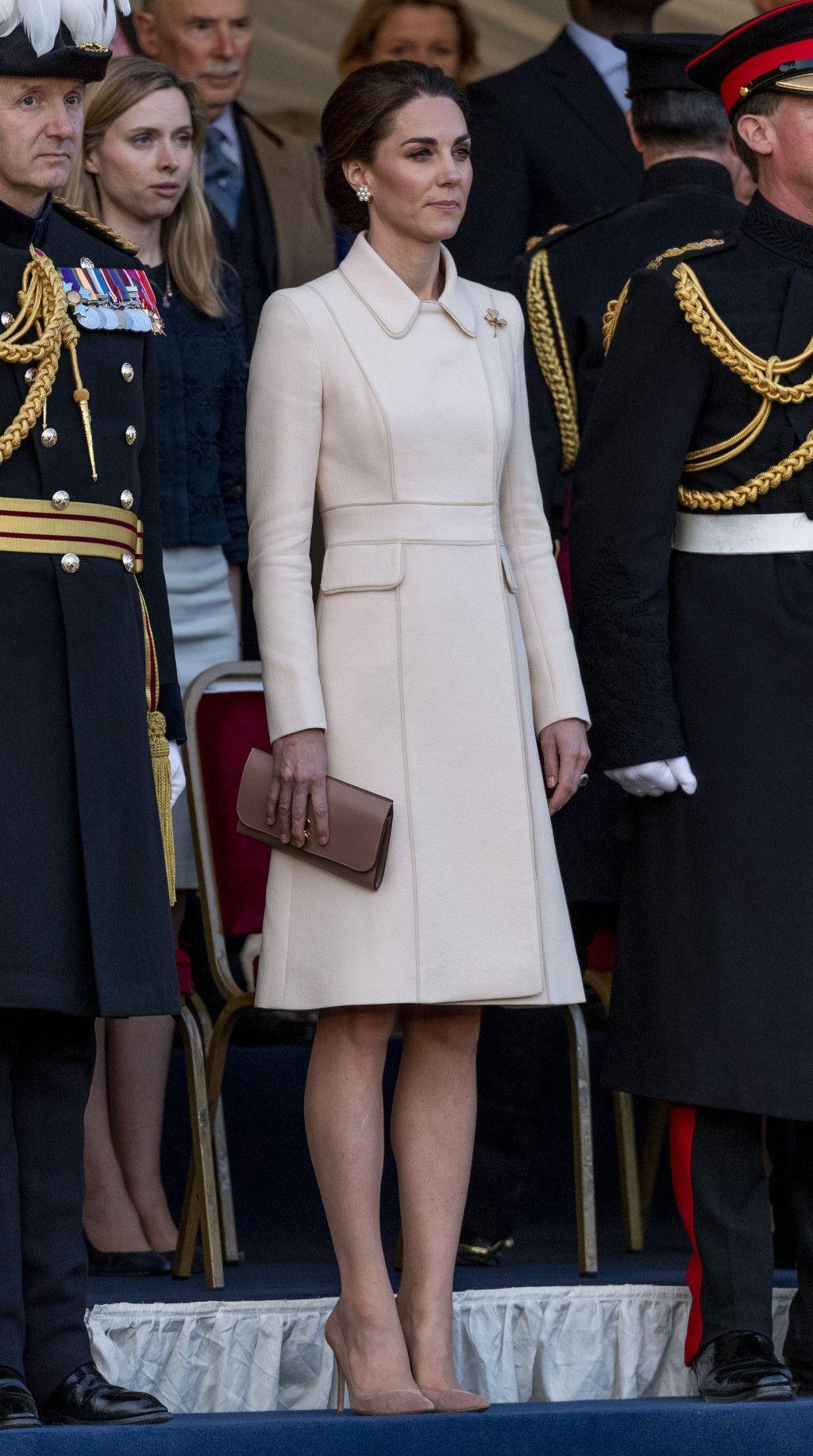 kate middleton look rainha looks kate middleton princesa kate middleton roupas de kate middleton pinterest