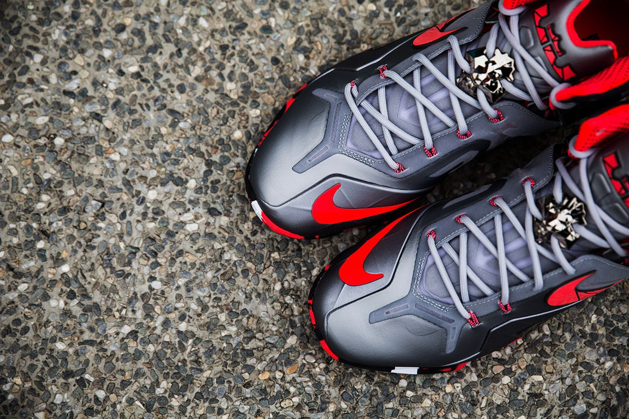 d80378f54f0526 Image of A Closer Look at the Nike LeBron 11 Elite Team