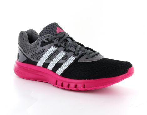 Adidas – Galaxy 2 Womens – Hardloopschoen - Een lichtgewicht #adidas #hardloopschoen van mesh voor dames. Het mesh zorgt voor een goede ventilatie rond de voet. De schoen zit comfortabel door een gewatteerde enkelkraag en is voorzien van een adiPRENE + tussenzool. Dit dempt de impact en zorgt voor een zachtere landing tijdens het hardlopen. #hardloopschoenen #dameshardloopschoen #dameshardloopschoenen