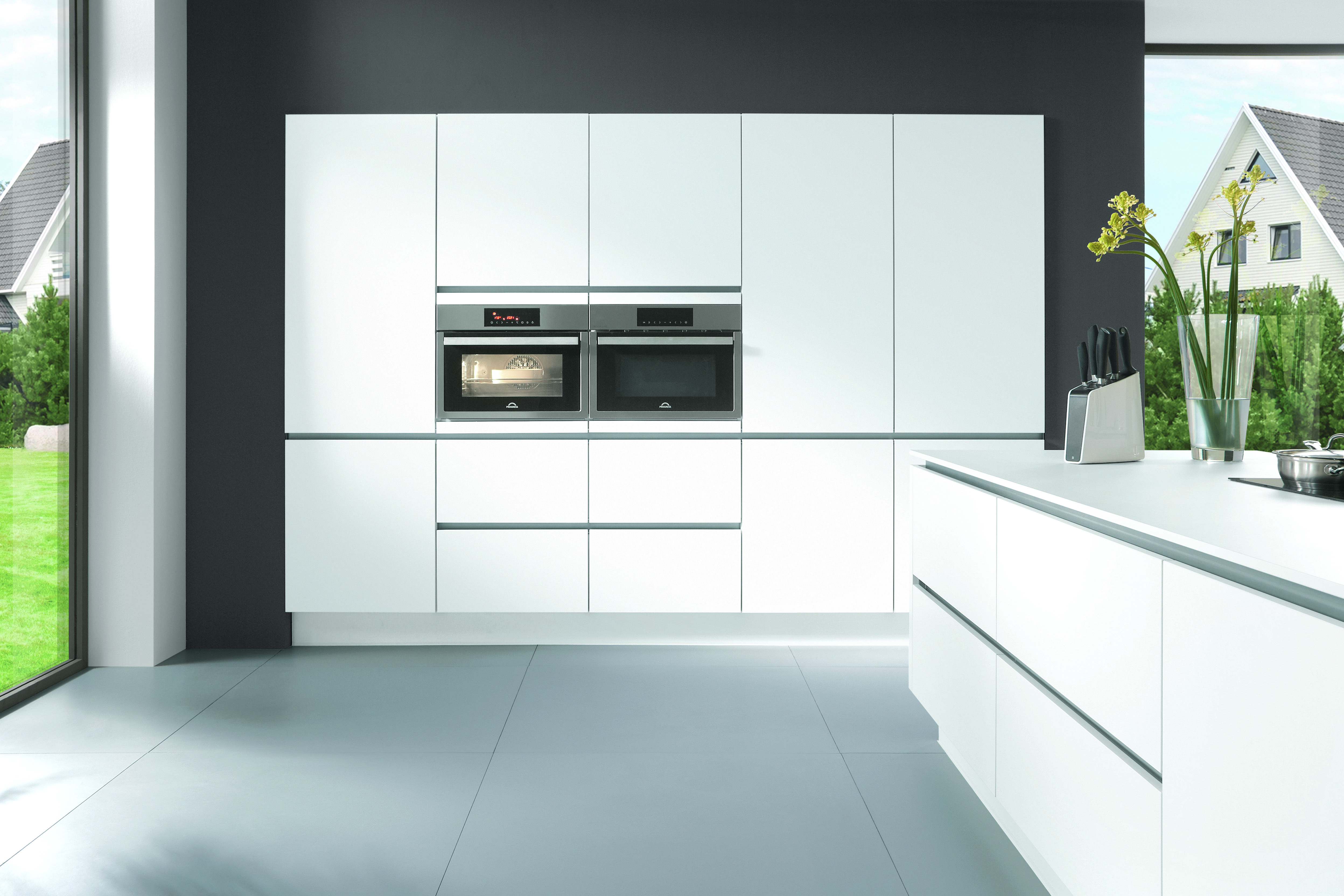 Handleless kitchen, German