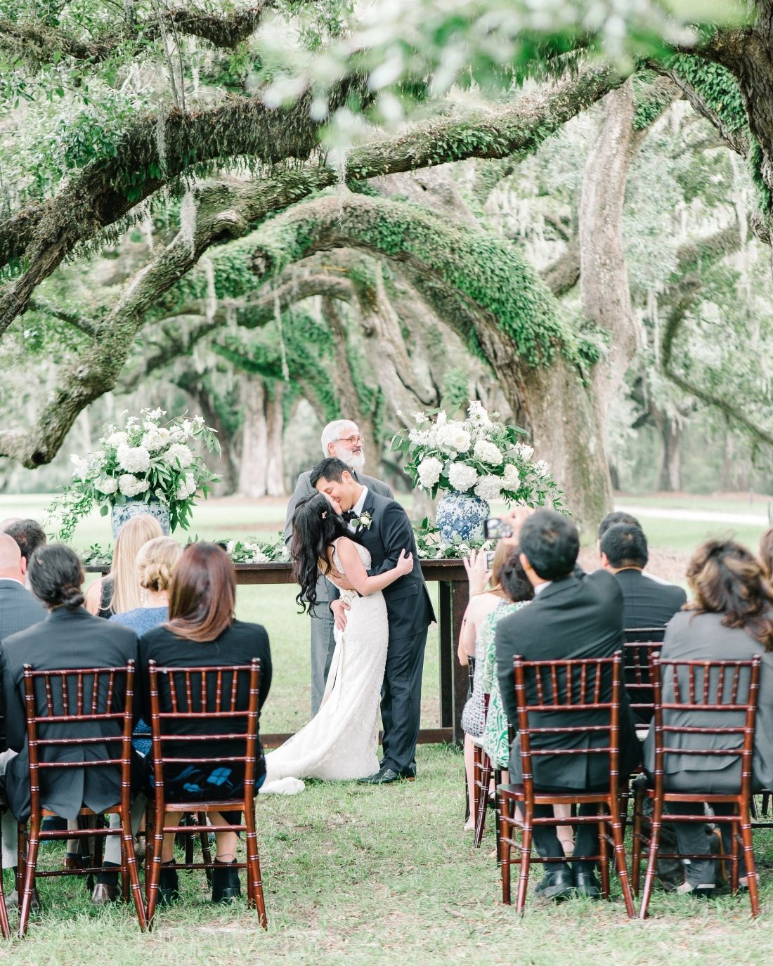 Boone Hall Plantation Wedding Ceremony Under The Giant Live Oak Trees In Charleston Sc