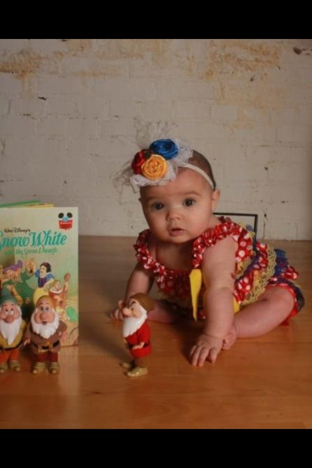Baby photography Snow White