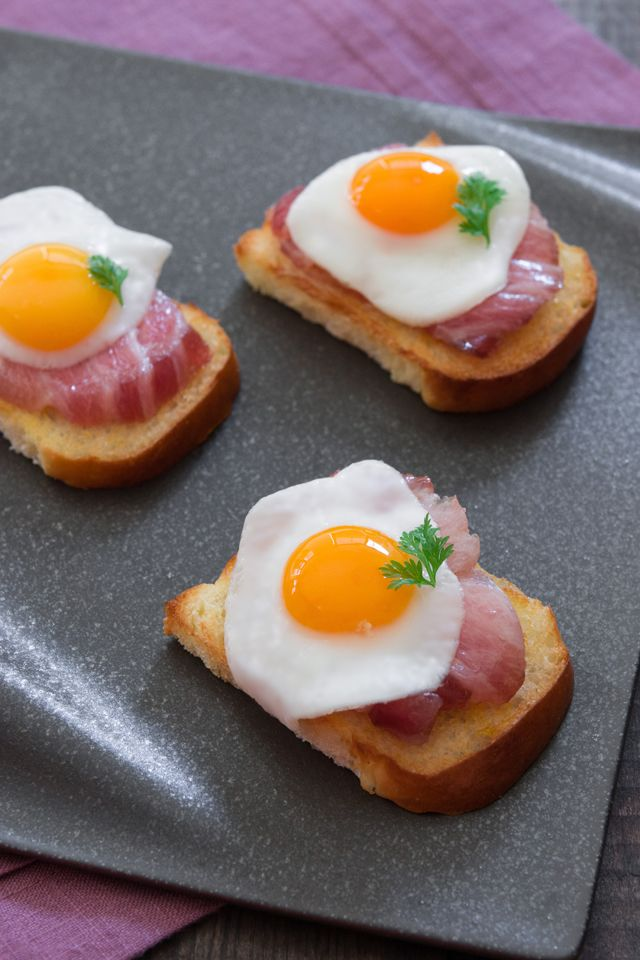 One bite tuna belly bacon and eggs toro cured with for Quail egg canape