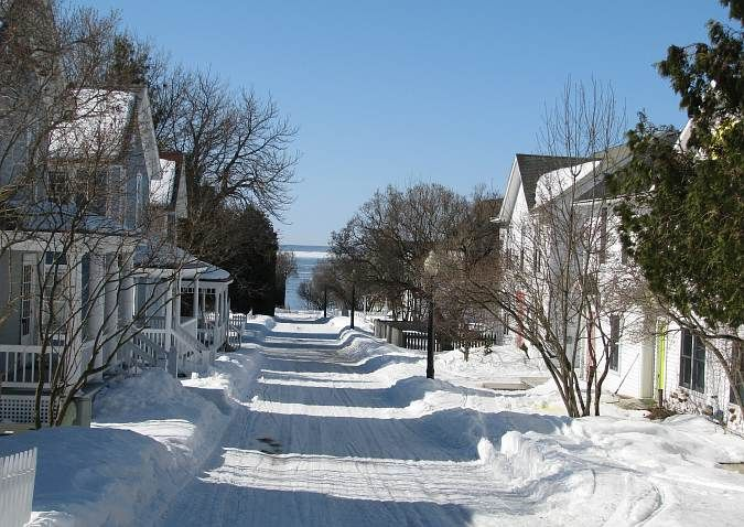 Wonderful Winter Pic I Found While Grazing Thru Mackinac Island On Google Would Love To See It Mackinac Island Michigan Mackinac Island Bridge Mackinac Island