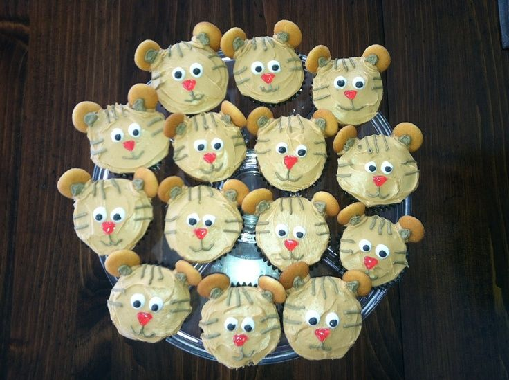 daniel tiger cupcakes | Daniel Tiger cupcakes I made for ...