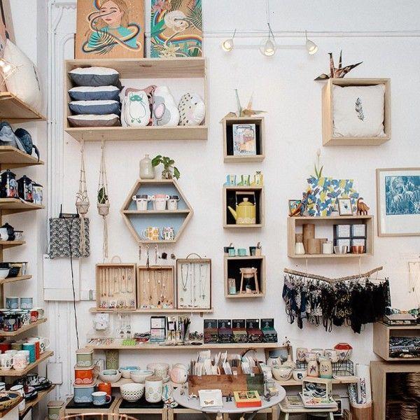 Grey Street Nuevo Punto De Venta De Kireei Y Batiscafo En Barcelona Interiores De Tiendas De Regalo Tiendas De Regalos Muebles Para Tienda