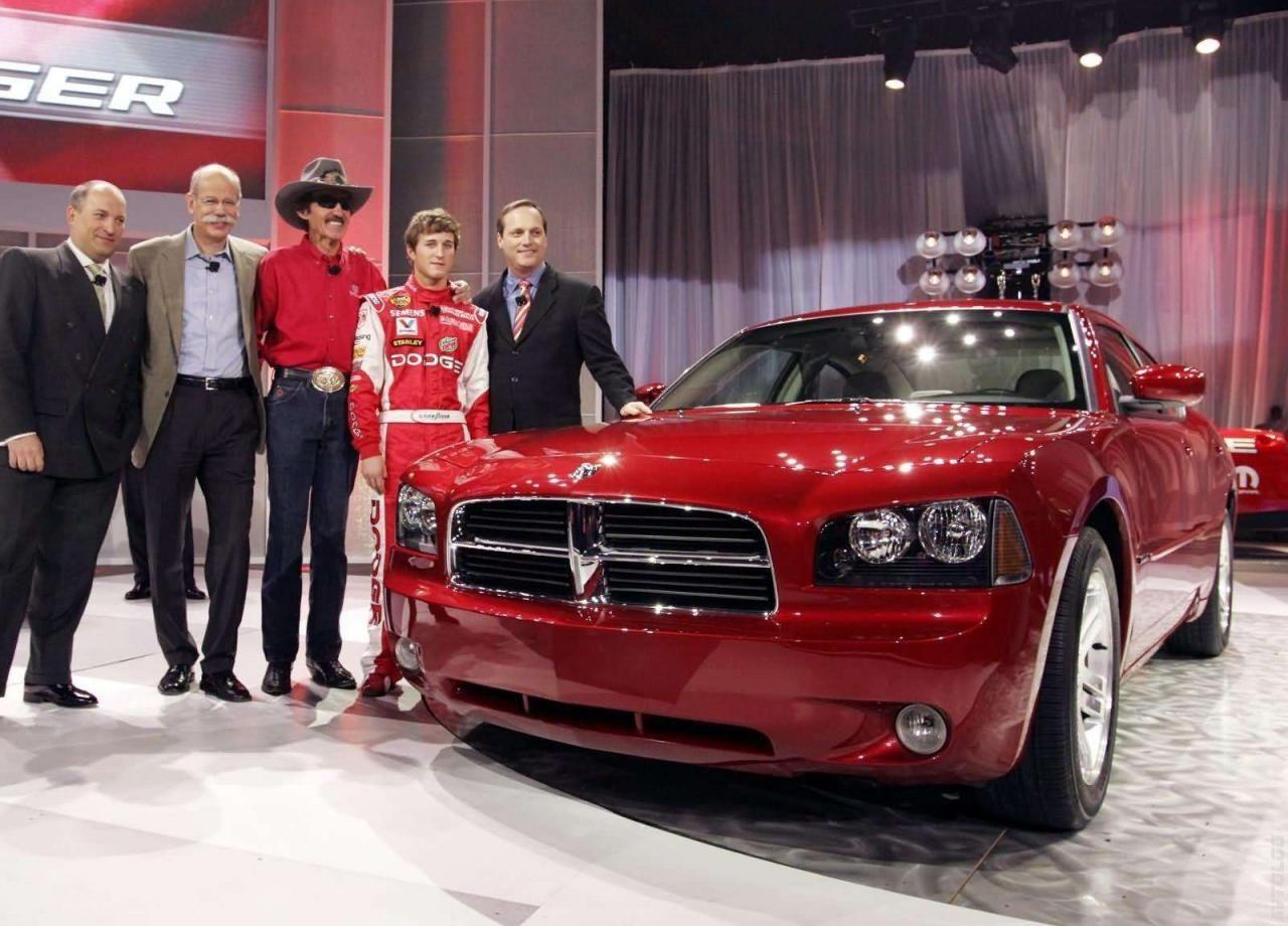 Dodge Predstavil Zaryazhennyj 2015 Charger Srt Hellcat Charger Rt 2006 Dodge Charger Rt Dodge Charger