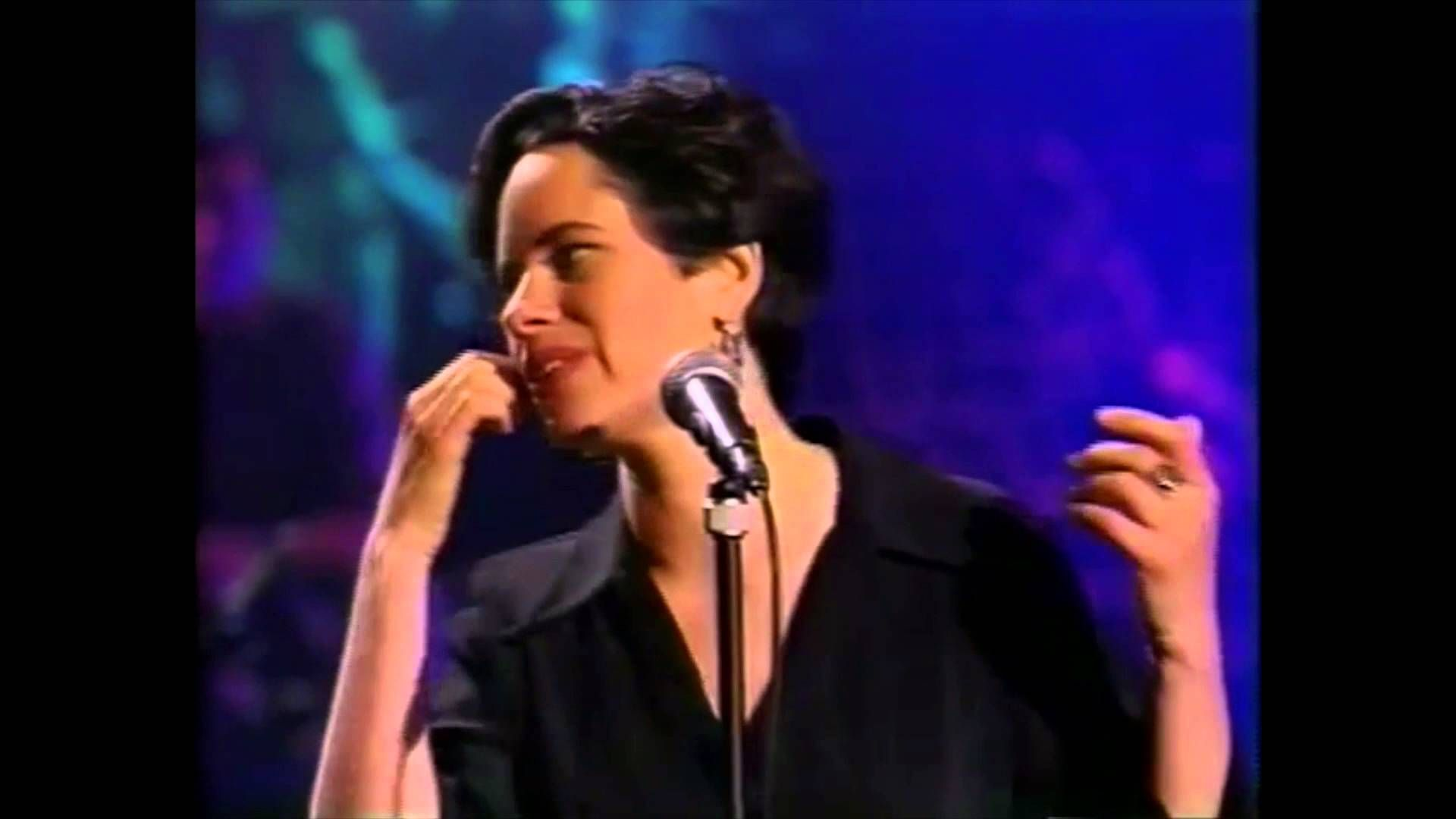 10 000 Maniacs Unplugged 1993 Complete Show Natalie Merchant Mtv Unplugged Music And Movement