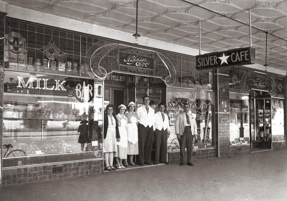 Stunning Photos Of Iconic Greek Milk Bars Of 1950s Australia Star Cafe Greek Cafe Art Deco Buildings
