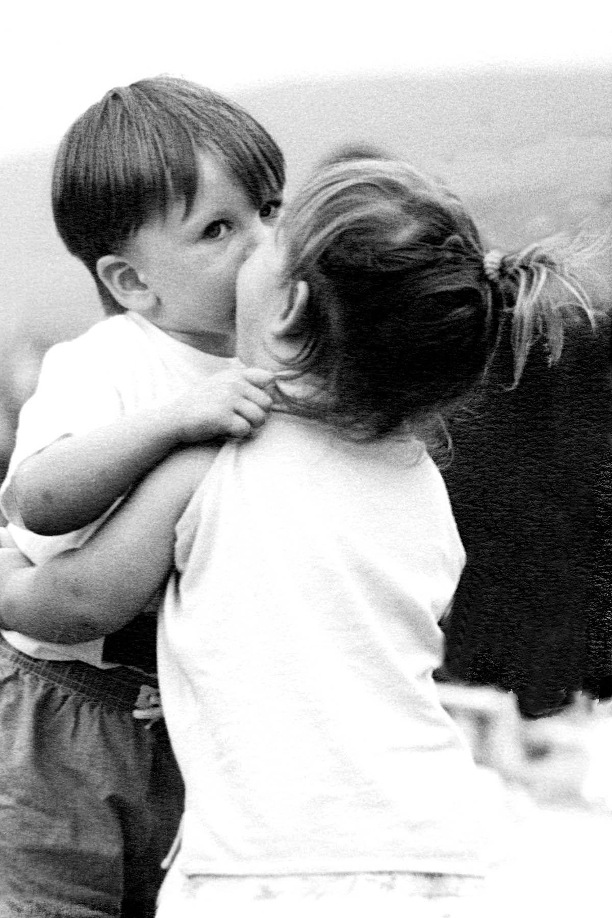 kids kisses kids kiss