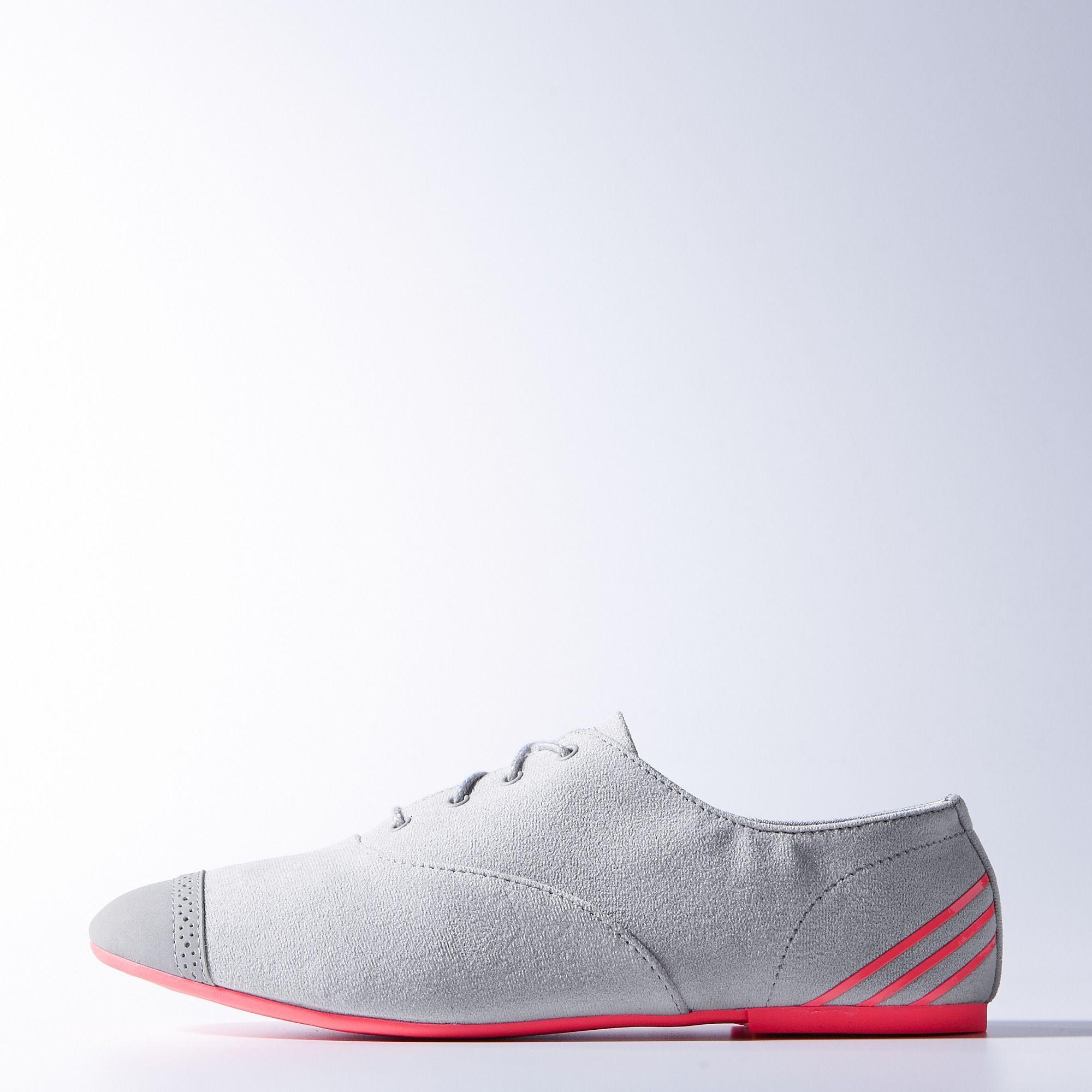 hagl sø stempel adidas dress shoes Tilståelse underkjole indre