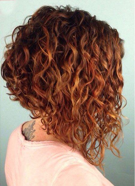 19 Corte de pelo bob en cabello rizado