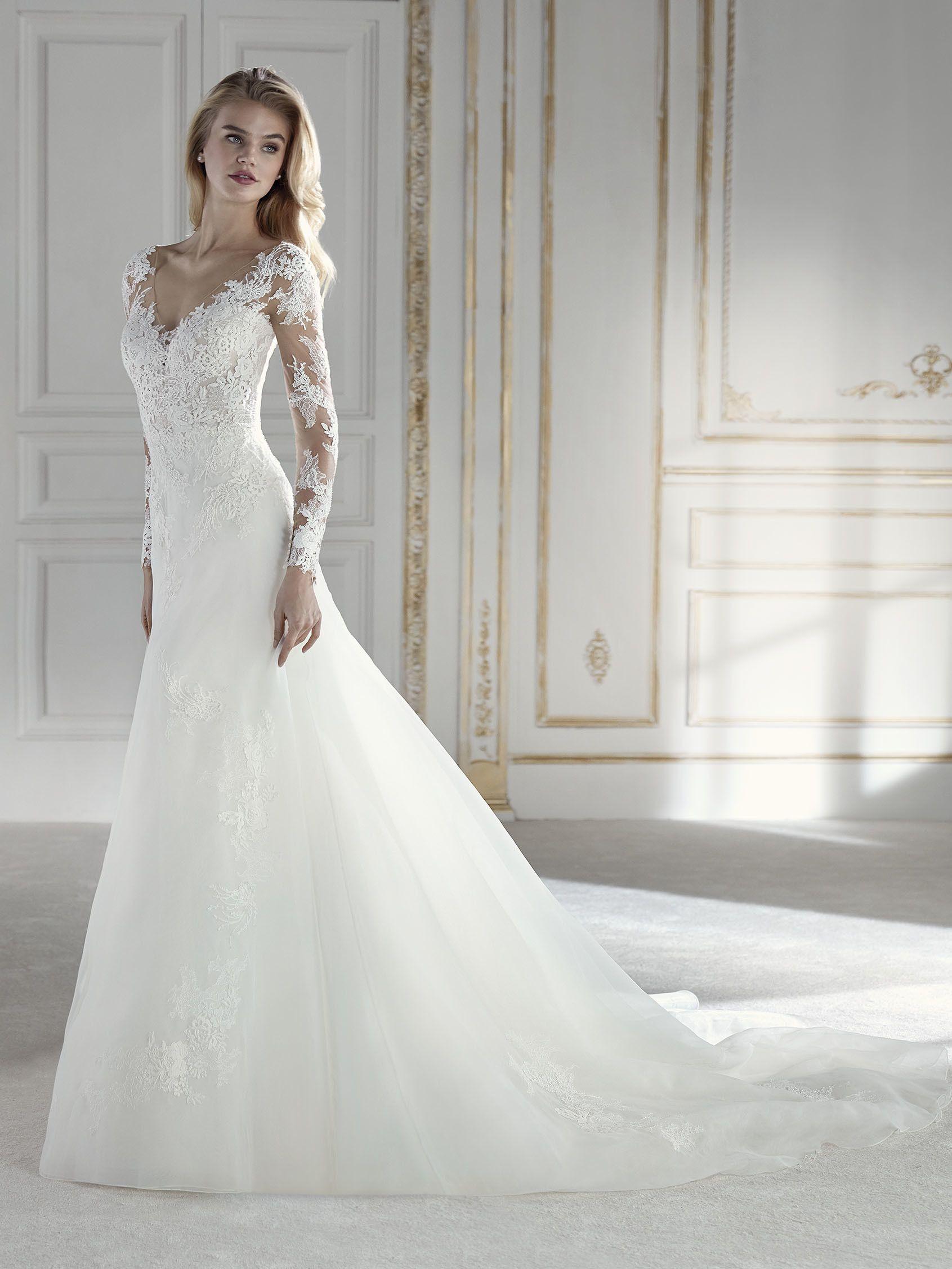 Elegantes Brautkleid im Meerjungfrau-Stil mit tief angesetzter ...