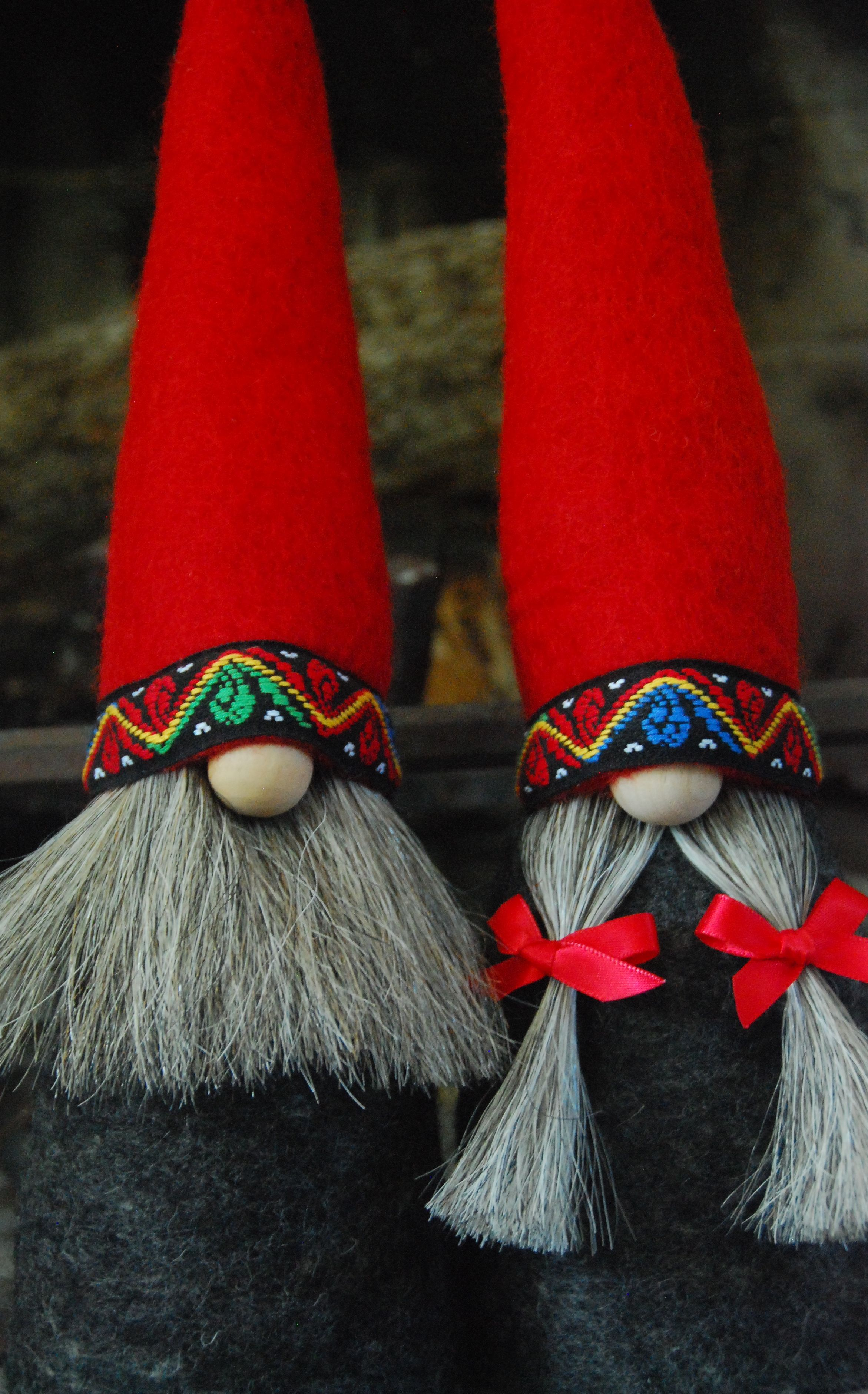 Mr And Mrs Gnome In All Natural Materials Wool Felt For Body And Hat Wooden Nose Horsehair Beard And Braids And Tra Gnomes Gnomes Crafts Norwegian Christmas