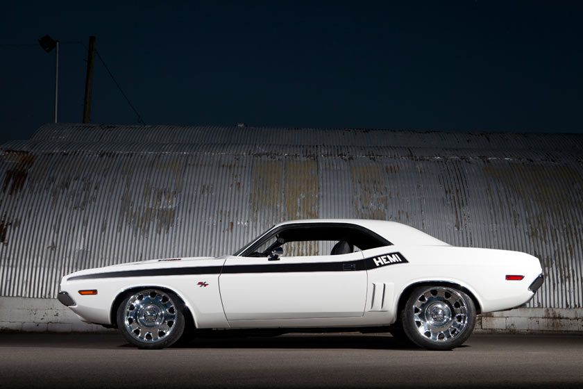 '70 Dodge Challenger R/T :: Supercharged 572 HEMI/1125HP :: by Kindig•It•Design plus it just makes chevys look better