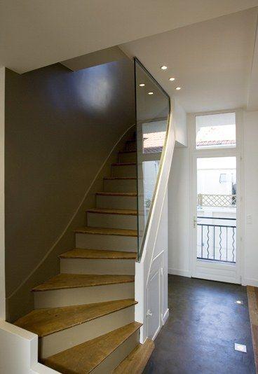 Escalier après  Photo du0027un escalier après rénovation - Rénovation - prix de construction d une maison
