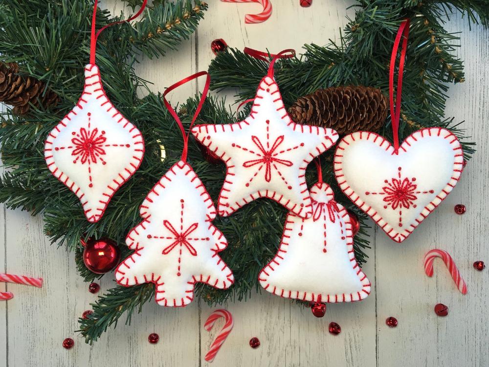 Handmade Felt Christmas Decoration Hanging Decor Etsy In 2020 Felt Christmas Ornaments Felt Christmas Tree Felt Christmas Decorations
