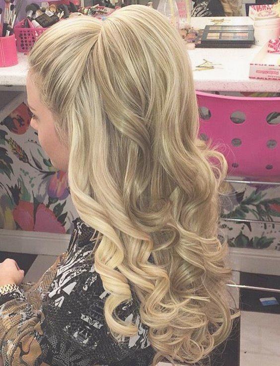 pin von ritta auf hair and beauty | homecoming frisuren