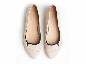 Ninna flats in Sand color - Svpply by sandy