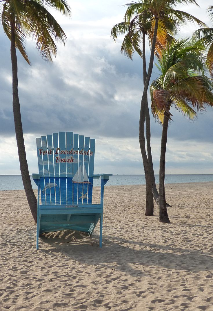 Giant Chair And Palm Trees On Fort Lauderdale Beach In Florida In November.  @VISITFLORIDA #LoveFl #sponsored