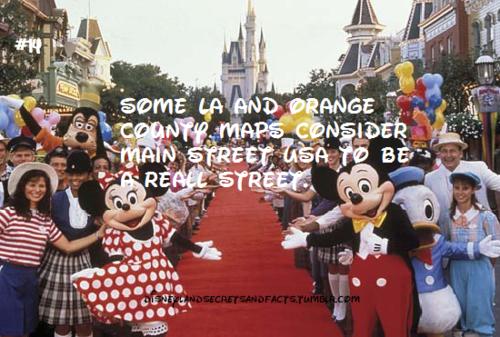 Disneyland Secrets Notes Disney Disneyland Disneyland Secrets - 24 disney movies secrets