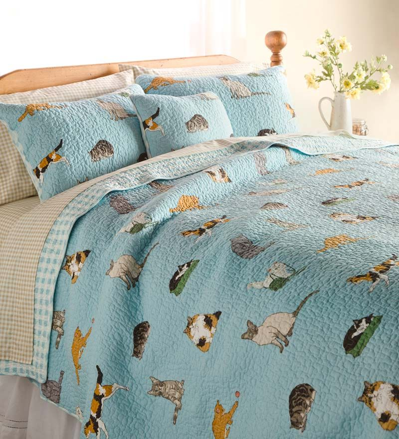 Kitten Caboodle Quilted Bedding Set features a variety of