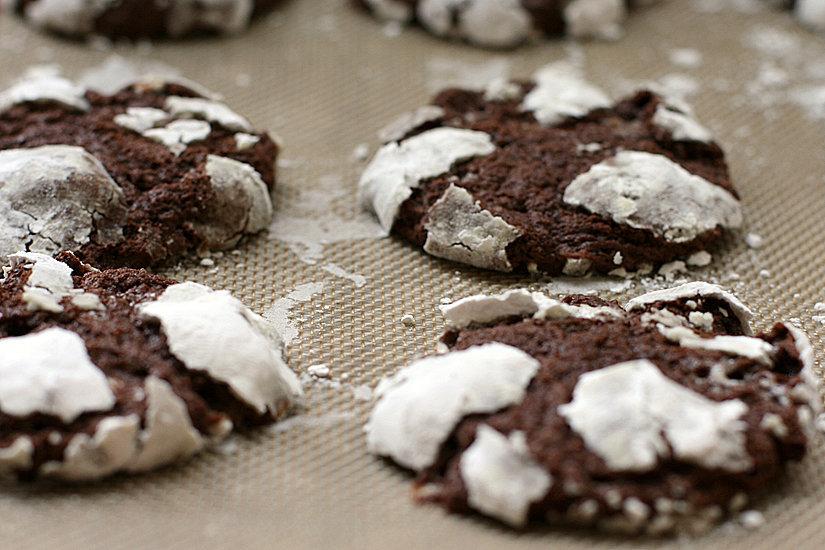 Hacking the Box Mix: Homemade Chocolate Marshmallow Crinkle Cookies #chocolatemarshmallowcookies