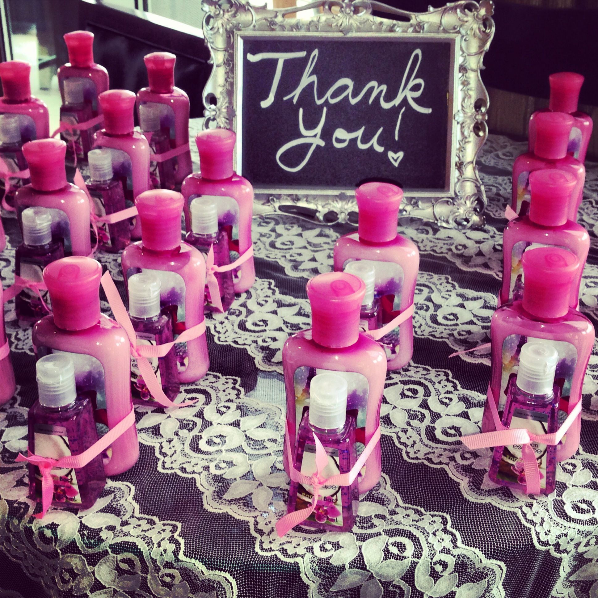 Cute and easy idea for bridal shower favors. Used red bath products ...