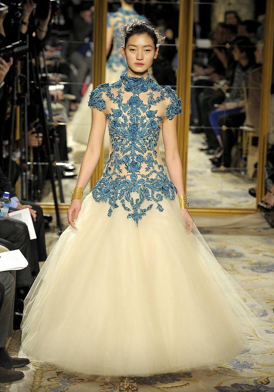 de3b0eb7e2 Baroque Style for this winter Vestidos Marchesa