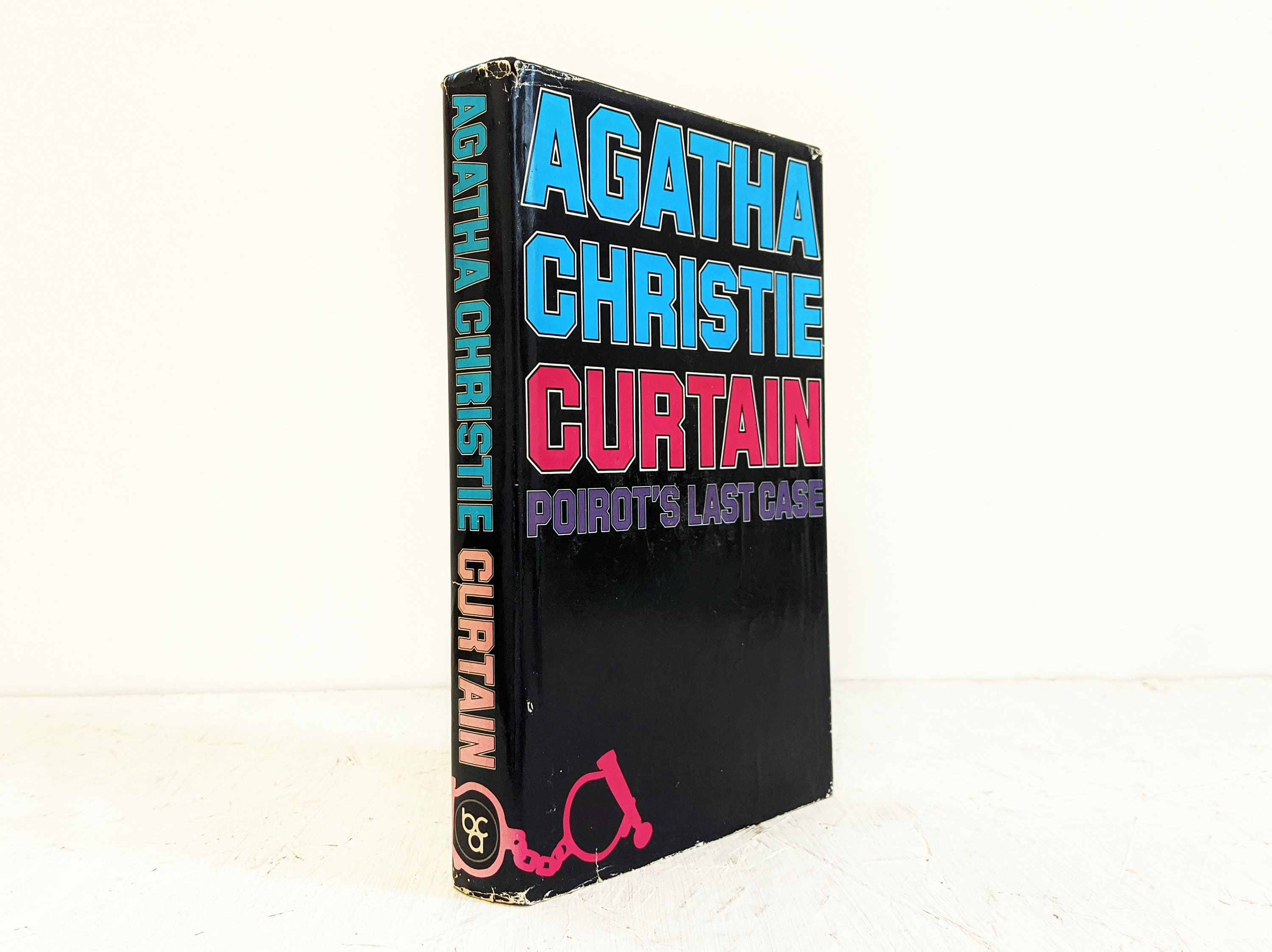 Agatha Christie Curtain Poirots Last Case Book Club Etsy In 2020 Agatha Christie Book Gifts Agatha