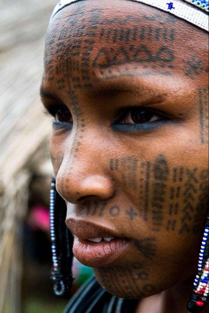 BENIN Facial tattoos, Face, Tribal people