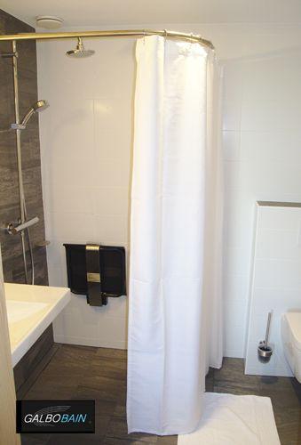 Douche italienne pmr du o 39 connel lodge quip e d 39 une barre - Rideau de douche sur mesure ...