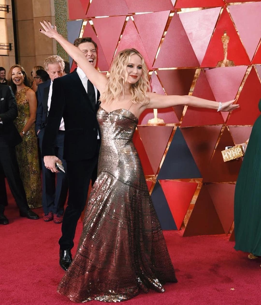 Jennifer Lawrence in Dior | Dark Gold Metallic Sequin Gown ...