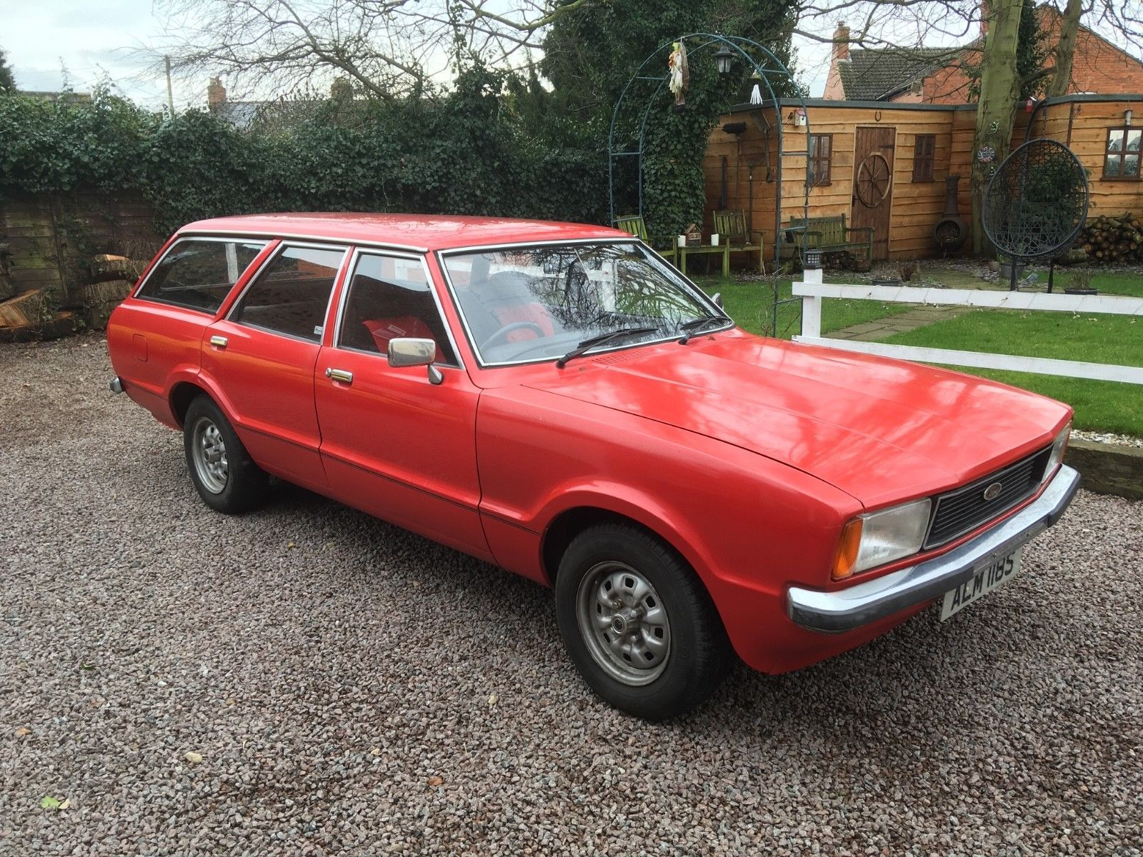 eBay: FORD CORTINA MK4 ESTATE ONLY 65000 MILES AND LAST OWNER SINCE