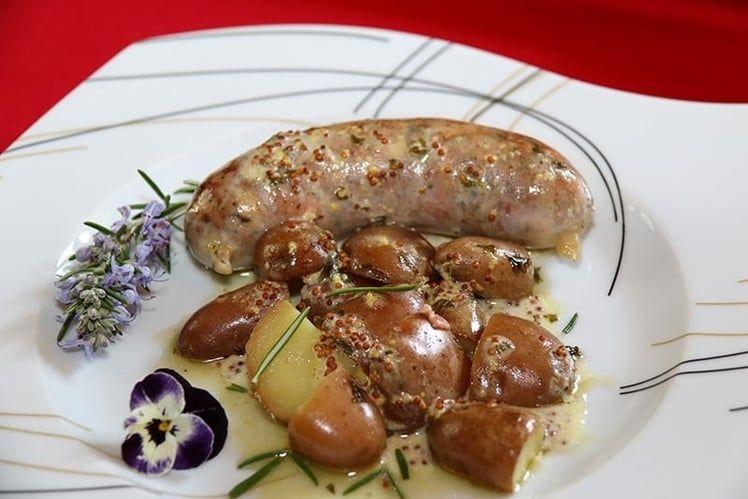Andouillette au vin blanc sauce moutarde à lu0027ancienne recette