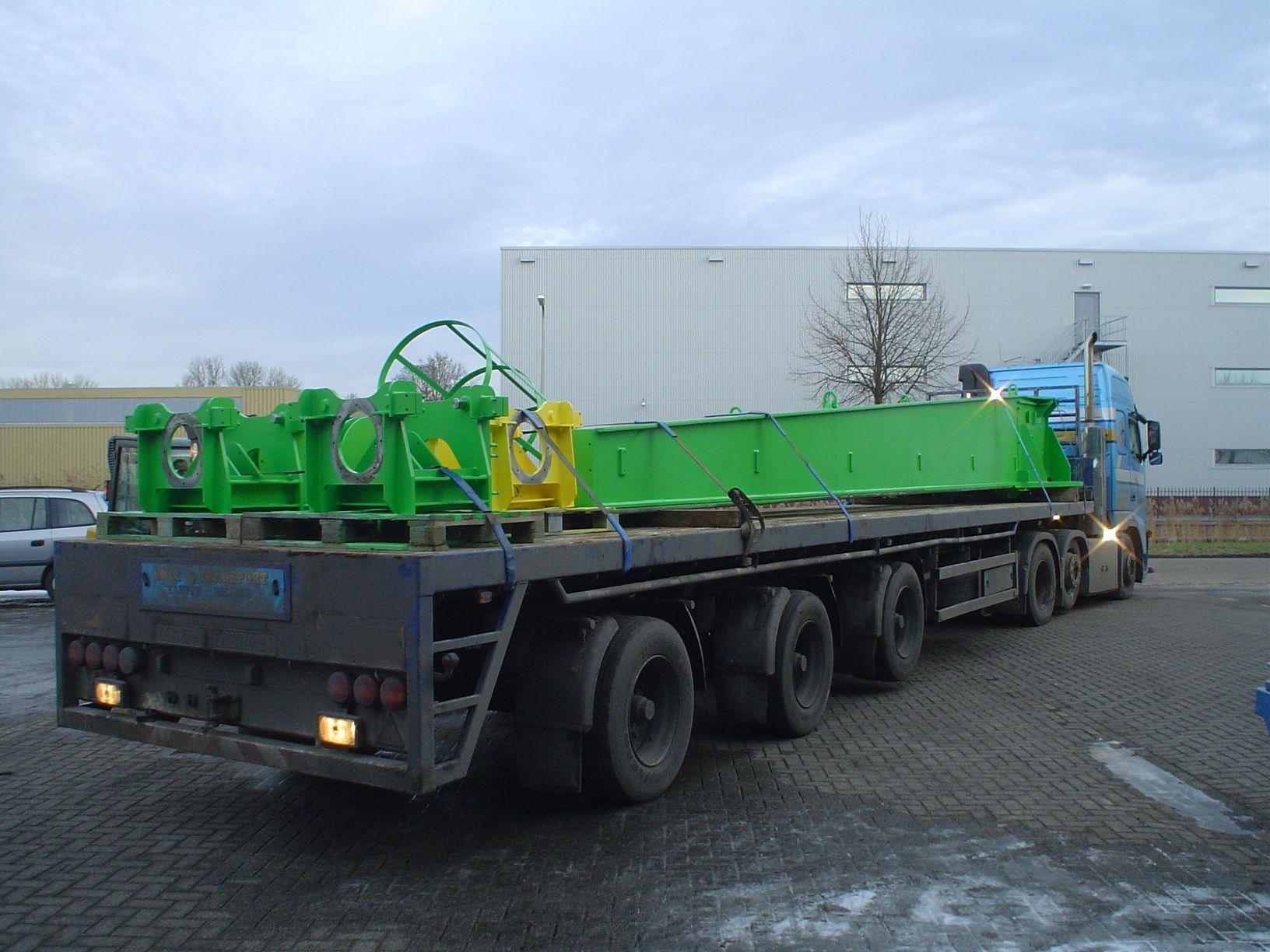Speciaal transport vanuit Eerbeek www.mfe.nl Machine Fabriek