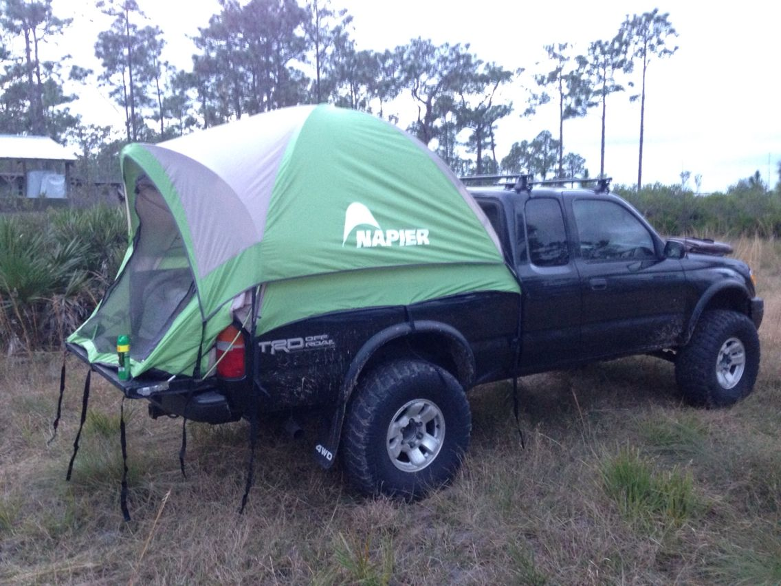 Toyota 4WD 2000 with truck tent. Toyota