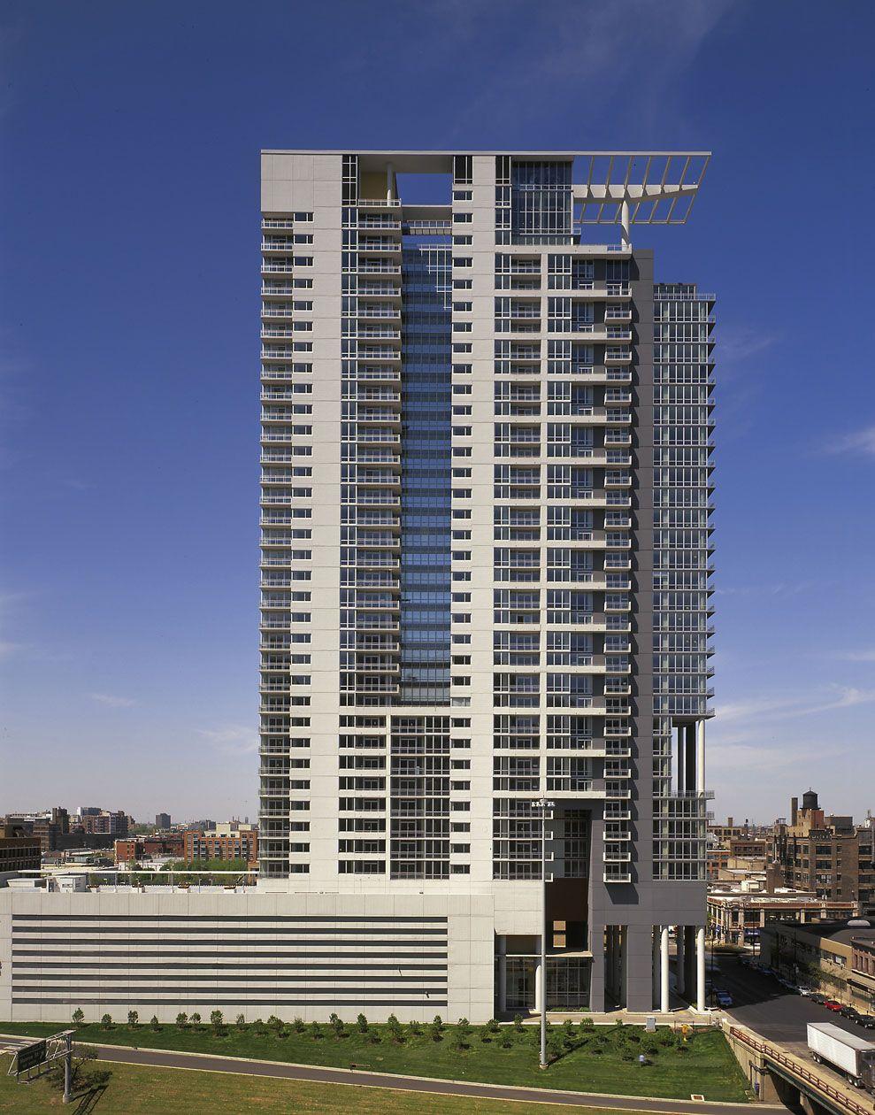skybridge at one north perkins will google 39 da ara facade pinterest geb ude und architektur. Black Bedroom Furniture Sets. Home Design Ideas