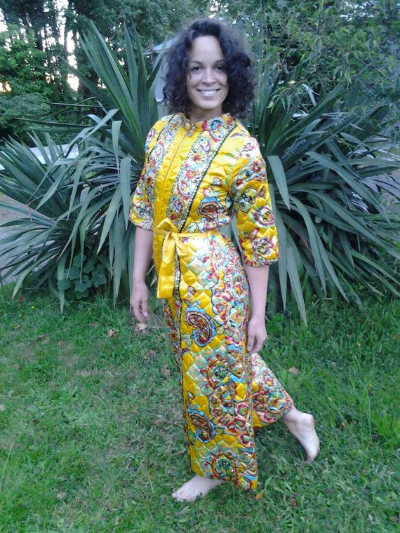 70s style lounge wear paisley print on by FernsAndFogVintage, $25.00