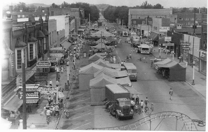 A Street Fair In Downtown Dover Ohio Ohio History Tuscarawas County Dover