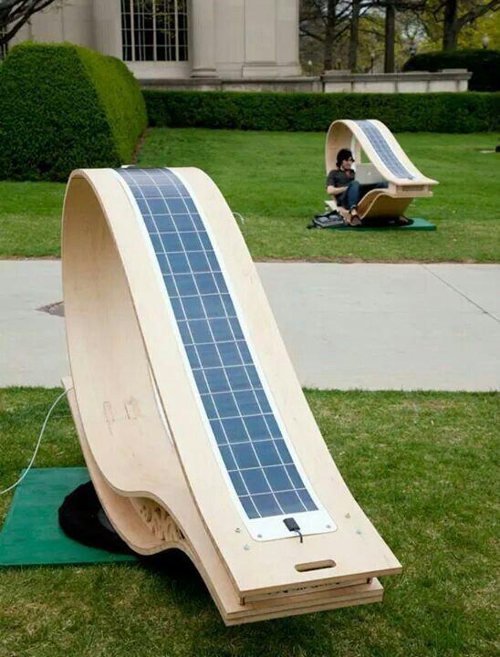 Diseno Soft Rockers Mobiliario Urbano Para El Aire Libre Accionado Por Energia Solar Donde Uno Puede Relajarse Y Recar Solar Panels Solar Solar Energy Diy