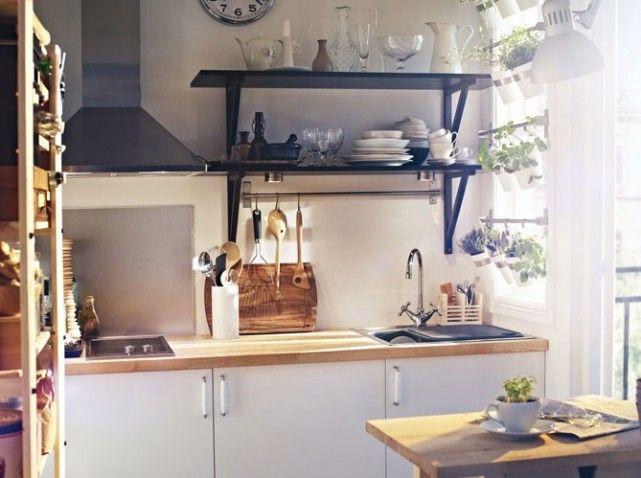 Inspiration Scandinave Pour Cette Petite Cuisine Ikea Bois Et - Meuble cuisine jaune ikea pour idees de deco de cuisine
