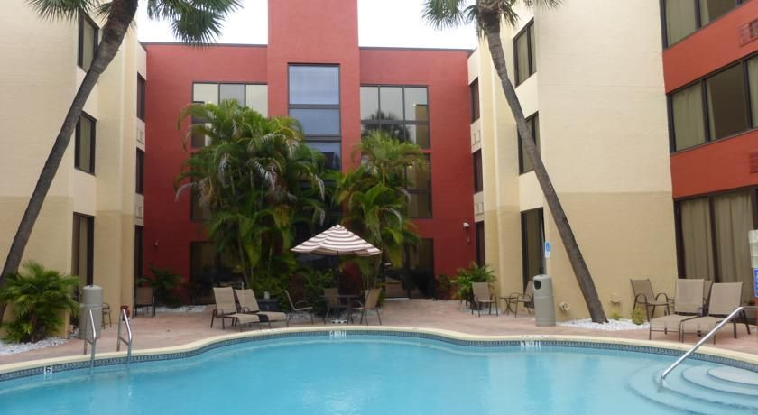 Red Roof Inn Clearwater Airport Largo Guests at this