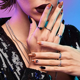 Kiss Goodie Glam Design Halloween Nails Ulta Beauty In 2020 Halloween Nails Ulta Beauty Nail Sizes