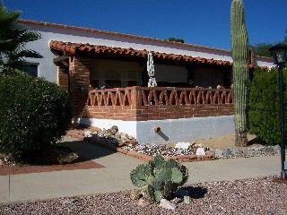 Lovely Two Bedroom Villa in Green Valley, AZ $850. 2 br queens  march open. 1 ba. Wifi?