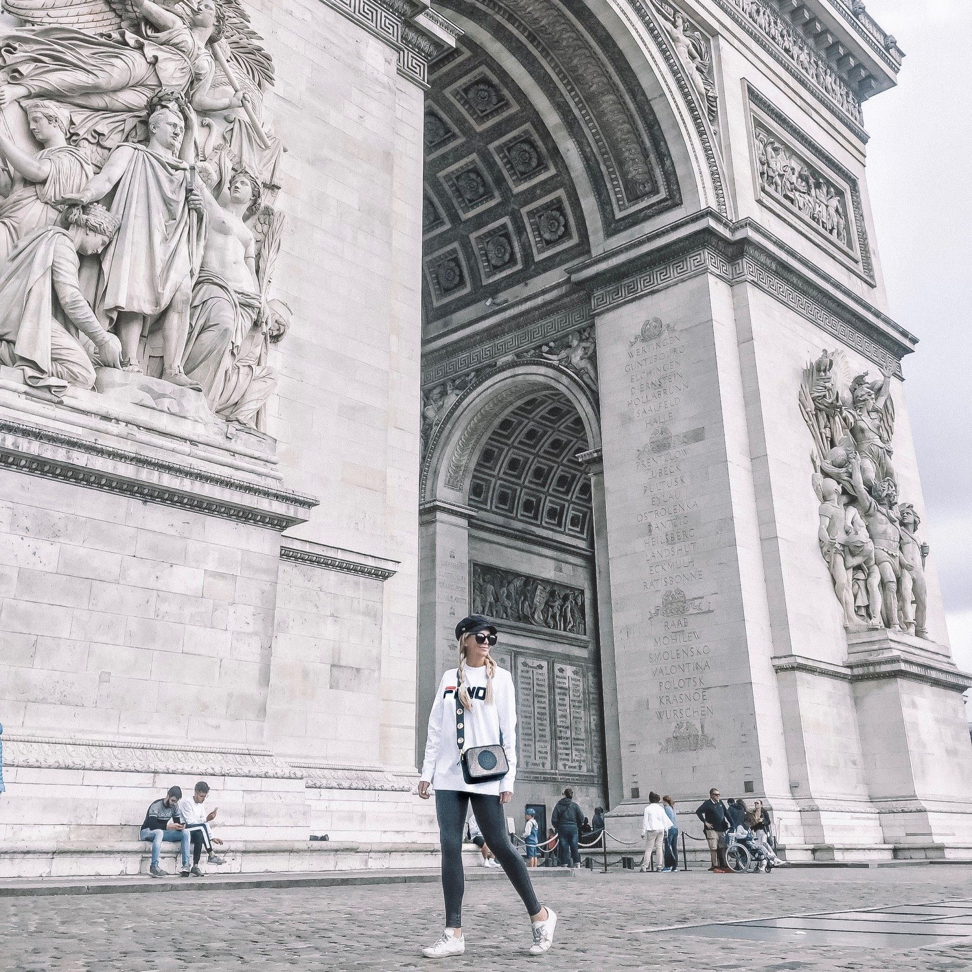 6484c913510 Where to Take The Best Photos in Paris | Lunchpails and Lipstick | Fashion,  Fitness, Beauty and Travel for the Modern Mom | Paris Vacation | Travel |  Paris ...