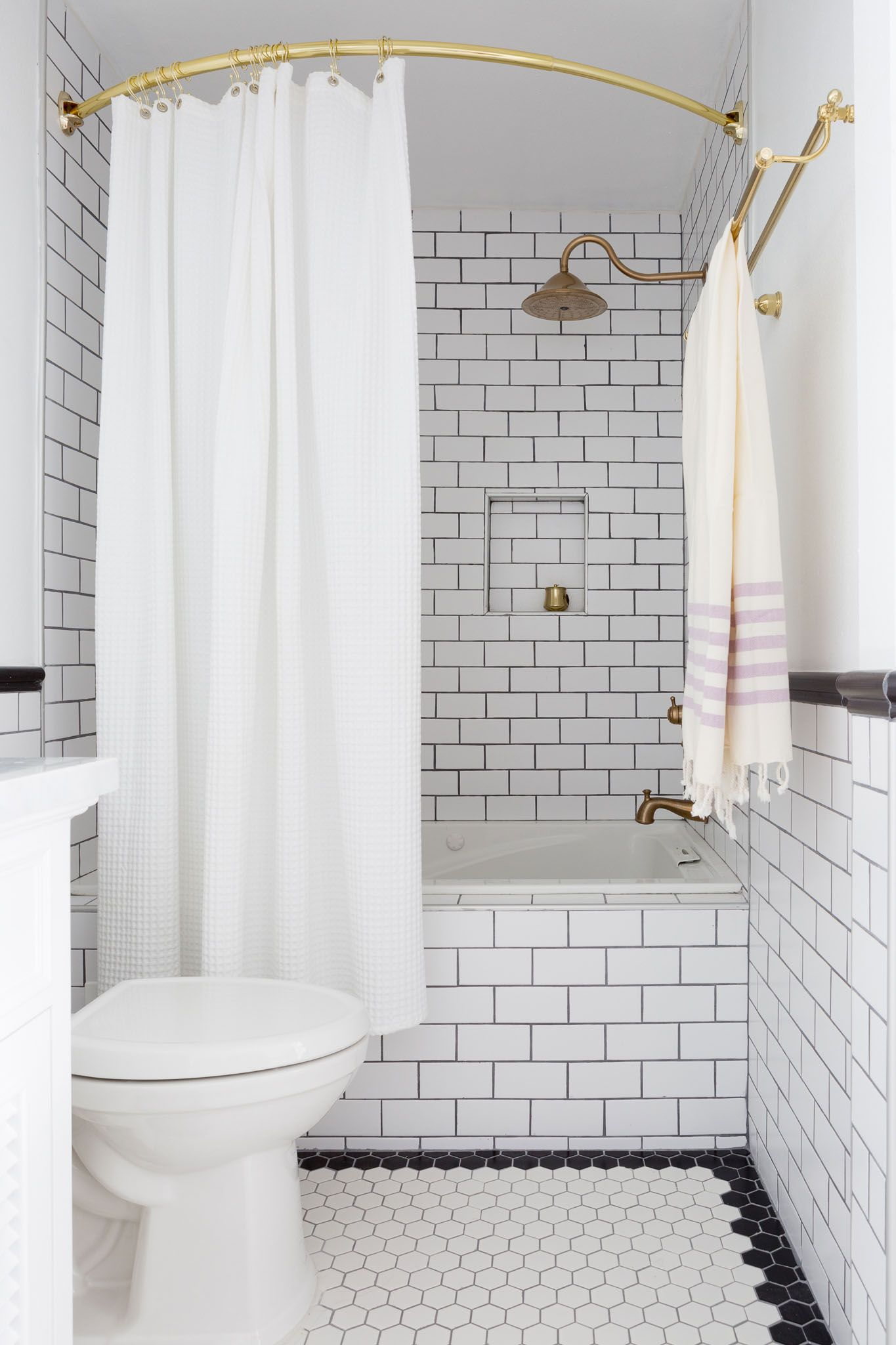 A Simple And Sophisticated La Home White Bathroom Tiles Bathroom Shower Curtains White Shower Curtain
