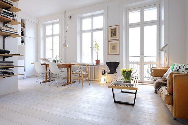 Salon et salle à manger, petit appartement lumineux, parquet blanc