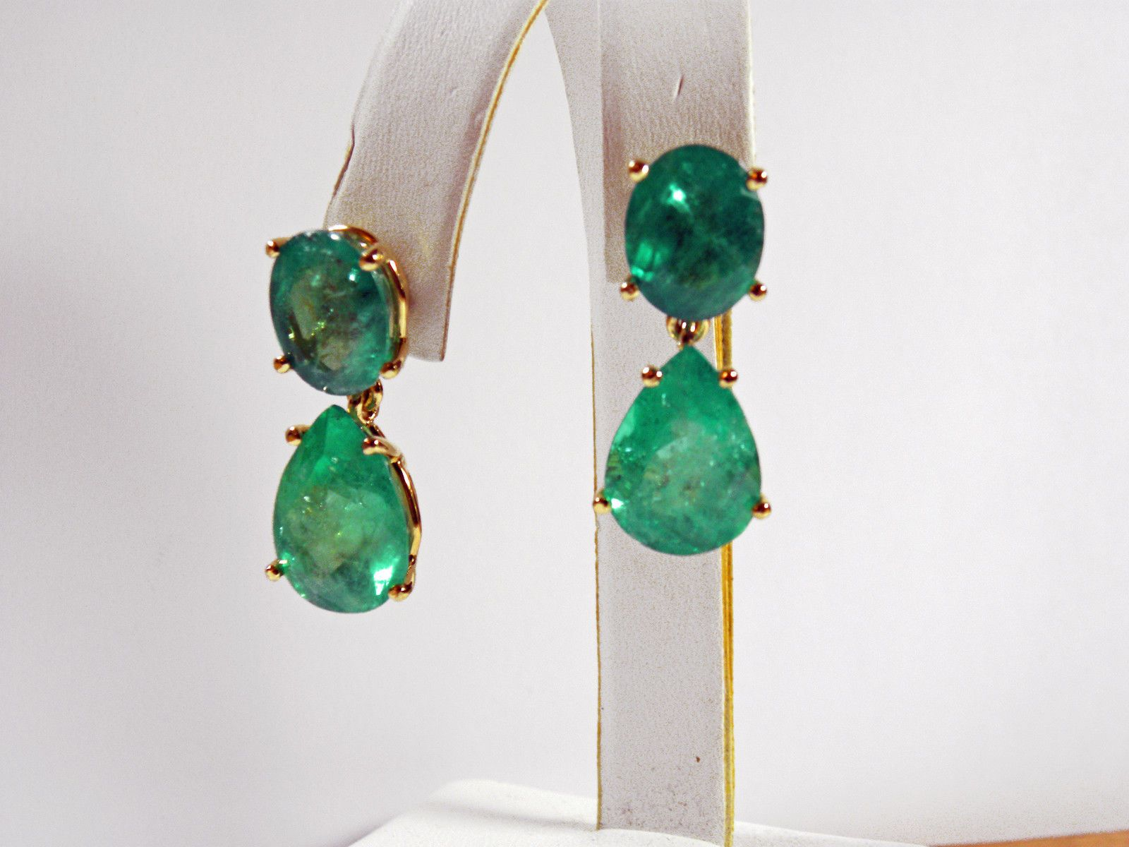 mcteigue earrings sapphires the cabochon shape emerald karat by yellow are pear sapphire item natural accompanied cut emeralds drop mcclelland smooth